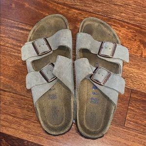 Tan, suede Arizona Birkenstock's, soft footbed